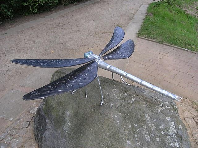 Tierisches bauschlosserei metallgestaltung for Metallskulpturen garten
